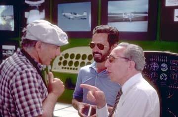 Fernando Almeida (esq.) com Stelio Frati (dir.), em Oshkosh, 1985 (Revista Voar)  FALCO F8-L, DE STELIO FRATI revista Voar 1985 Oshkosh