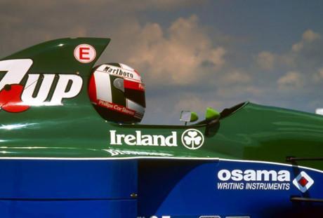 Chuva e acidentes marcam GP do Japão. Bianchi segue hospitalizado 20141007 DeCesaris 3 RedesSociais