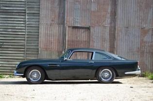 Foto Legenda 04 coluna 4714 - -Aston-Martin-DB51