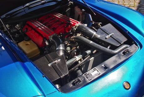 O motor Viper bastante modificado (autoevolution.com)  BRISTOL FIGHTER, COM CORAÇÃO DE VIPER autoevolution motor
