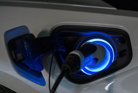 Charging  BMW i8, NO USO Charging