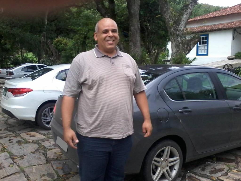 VELOZ (MUITO), MAS NADA DE FURIOSO Lobao apagada