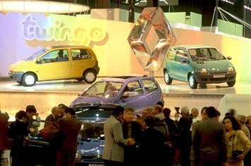 1992-Renault-Twingo-debut-Paris  CURIOSIDADE: TWINGO + UP! = TWINGUP! 1992 Renault Twingo debut Paris