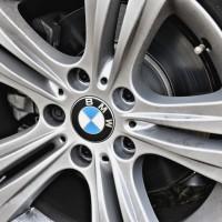 Os pneus são run flat e podem rodar sem ar por 80 Km a 80 km/h