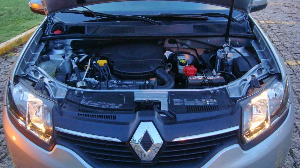 O motor 1,6-l está econômico e elástico  RENAULT LOGAN DYNAMIQUE COM CÂMBIO EASY'R, NO USO DSC09543