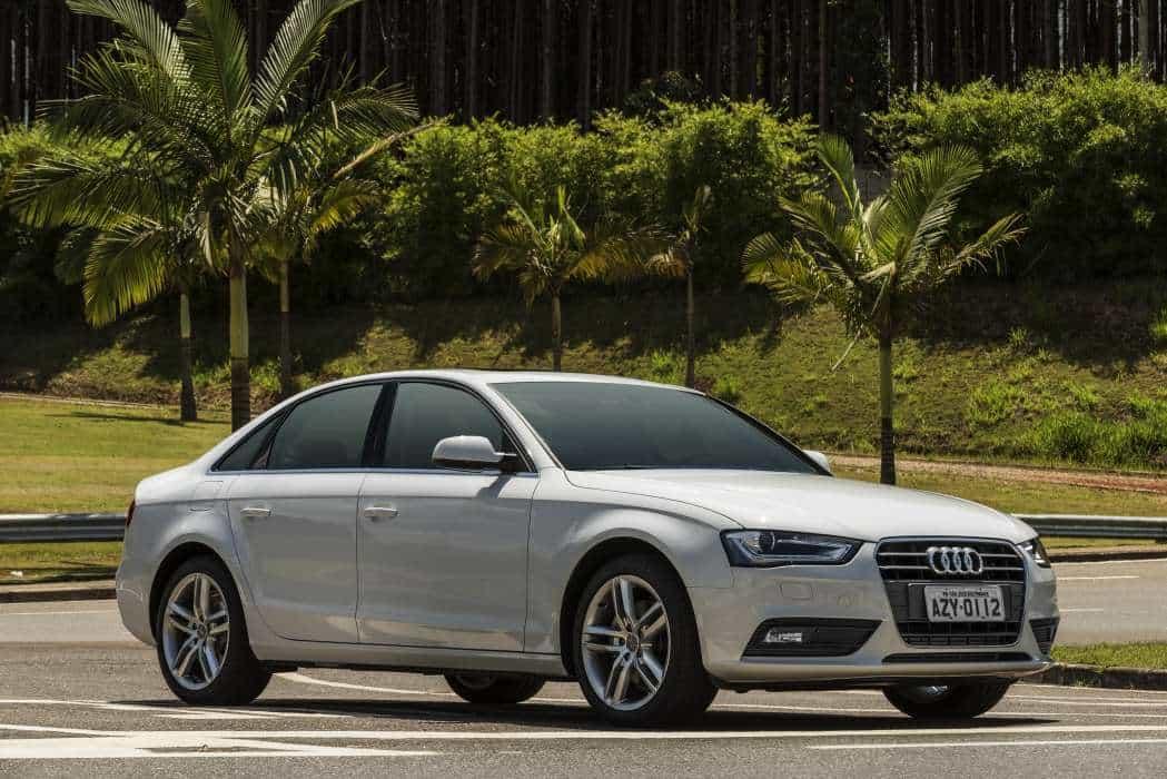 Foto Legenda 02 Coluna 0515 - Audi A4