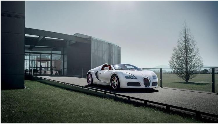 Foto Legenda 03 coluna 0415 - Bugatti Veyron