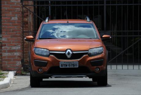 Altura elevada em 4 cm   RENAULT SANDERO STEPWAY E DYNAMIQUE, NO USO Renault Sandero Stepway 05