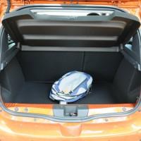 Um belo porta malas de 320 litros