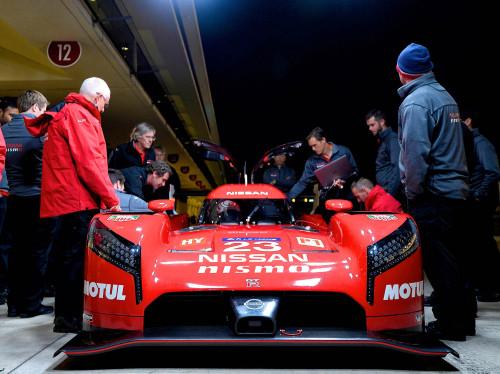 Ricardo Divila, o terceiro da esquerda para a direita (Foto Nissan)