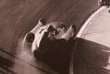 Alberto Ascari e Lancia D50. Só um autoentusiasta entende e sente a foto.