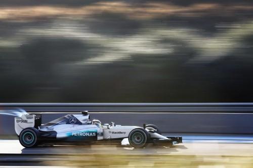 Hamilton teve problemas com um vazamento de água (Foto Mercedes Benz Media)