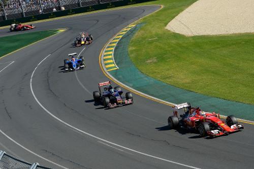 Vettel estreou no pó