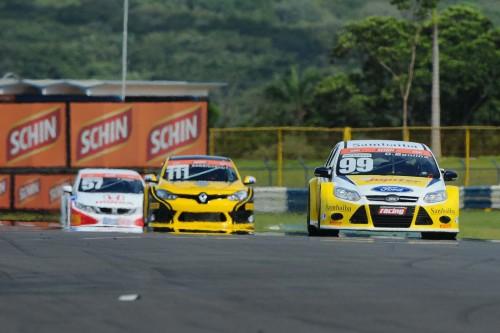Cesar Bonilha (Ford Focus) venceu a primeira etapa do Brasileiro de Marcas (Foto Fernanda Feixosa)
