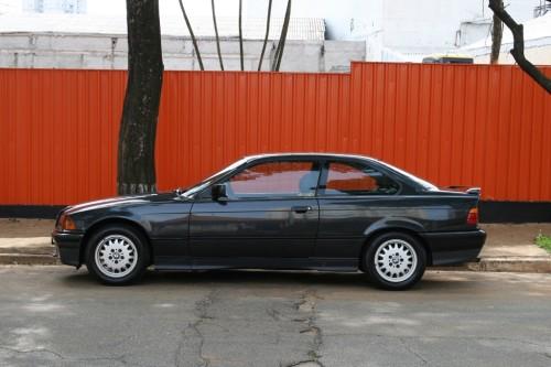 BMW_325i_Coupe02