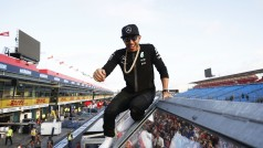 The black man in black: Hamilton dominou em Melbourne (Foto Mercedes benz)