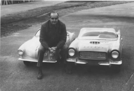 Foi assim que a Gurgel começou. Dr. Gurgel e seus mini-carros (foto da divulgação)  O TIO ROBERTO, EU E OS NOSSOS CARROS Gurgel e seus brinquedos