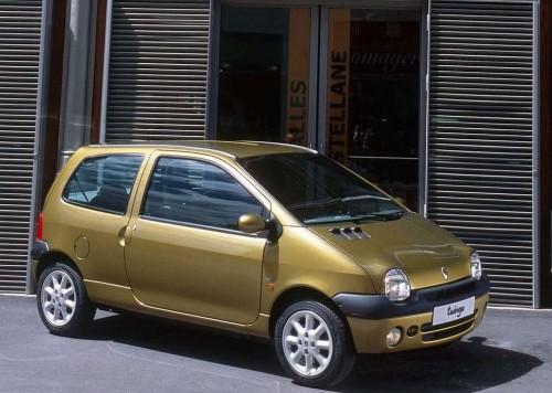 Renault-Twingo_2002_1024x768_wallpaper_04
