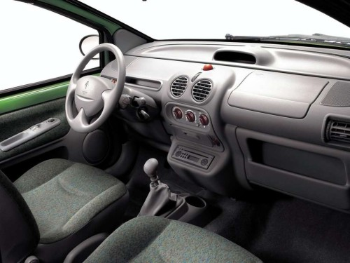 Renault-Twingo_2002_1024x768_wallpaper_10