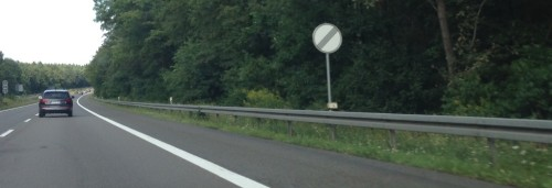 ... e os alemães andam a quanto querem Fonte: cdn.rideapart.com