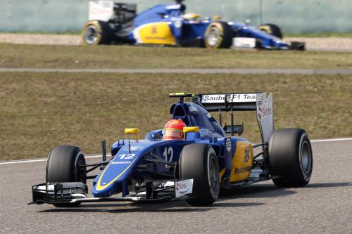 Felipe Nasr e Markus Ericsson conseguiram mais cinco pontos para a Sauber (Foto Sauber)  Mesmo com tempo quente em Xangai, confesso que dormi F115CHN 7762