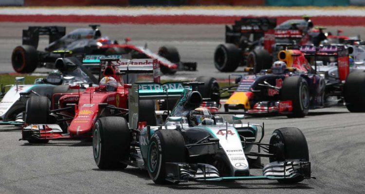 Hamilton e Vettel são os atacantes de Mercedes e Ferrari (Foto Mercedes-Benz)