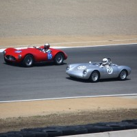 Maserati e Porsche 550 na pista