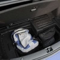 Compartimento adicional no porta -malas