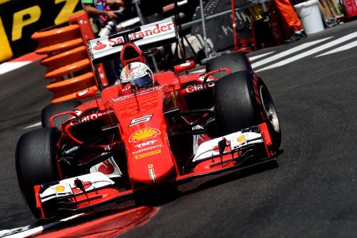 Vettel segue se afirmando como líder e motivando a equipe (foto Ferrari.com)