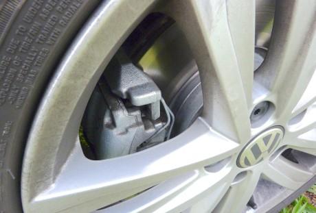 Frenagem do Jetta: ABS bem ajustado e discos ventilados  TESTE DE 30 DIAS: VOLKSWAGEN JETTA HIGHLINE 2,0 TSI (PARTE 4 / COM VÍDEO) P1130261