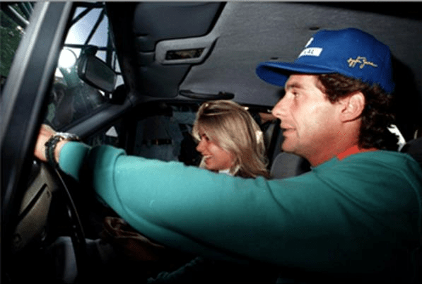 Senna e Adriana  O TEMPRA QUE NUNCA TIVE – POR FRANCISCO A. NEVES – 24/05/15 Senna e Adriana