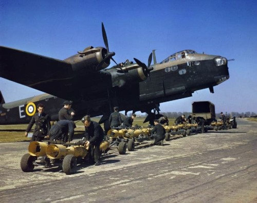 Short_Stirling_bomber_N6101