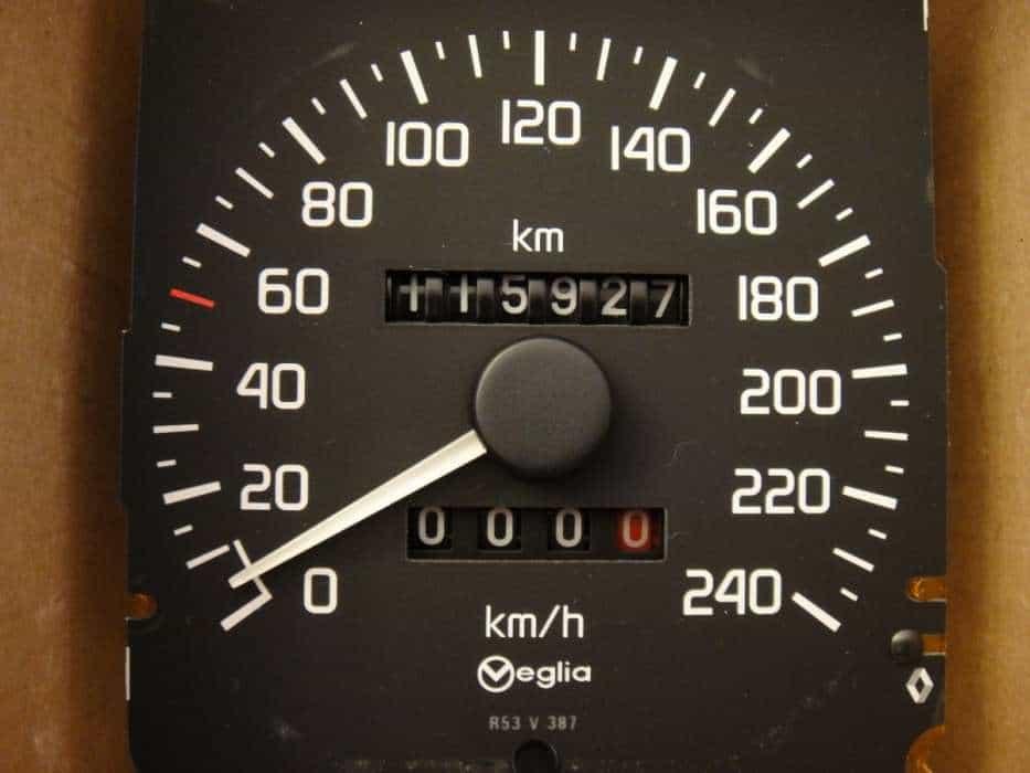CARROS COM 100 MIL KM: QUEM TEM MEDO?
