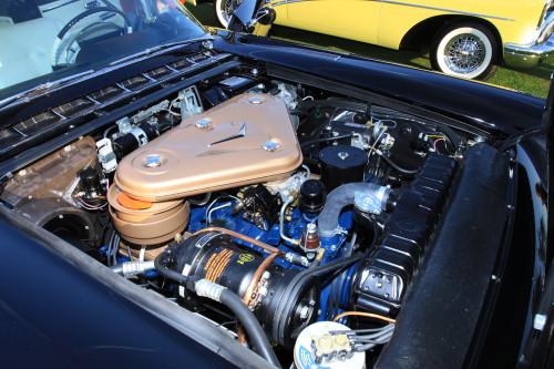Motor grande mas pouco potente para a massa do Eldorado (Supercars.net)