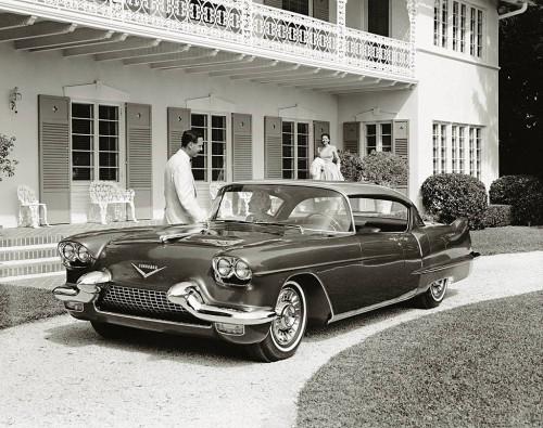 O mostrado no Motorama era igual a esse. Note rodas diferentes do 1957 (GM Media)