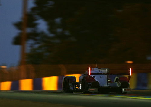Luca Di Grassi, junto com Loïc Duval e Oliver Jarvis, ficou em quarto lugar na geral (foto Audi Motorsport)