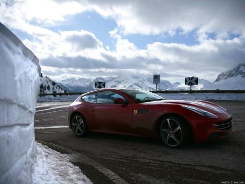 Ferrari-FF_2012_1024x768_wallpaper_5a  AS DEZ MAIS EXÓTICAS PERUAS ESPORTIVAS DE TODOS OS TEMPOS Ferrari FF 2012  wallpaper 5a