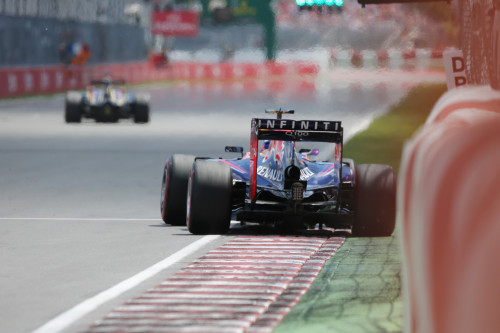 Ricciardo aconselha tomar cuidado com o muro dos campões (foto Red Bull/Mathias Kniepeiss/Getty Images)