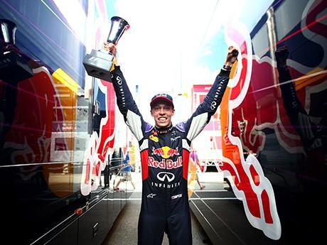 Daniil Kvyat: primeiro pódio na F-1 veio com o 2. lugar (foto Red Bull/Getyy Images)  Rapsódias húngaras (COM VÍDEO) 20150728 Kvyat RedBull Getty