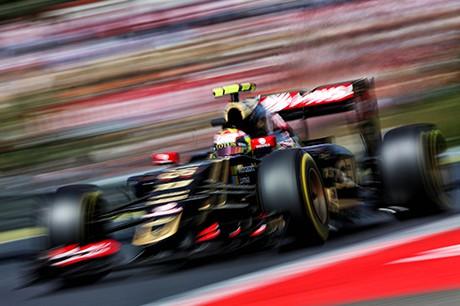 Pastor Maldonado perdeu o foco e ganhou três punições (foto Lotus F1)  Rapsódias húngaras (COM VÍDEO) 20150728 Maldonado Lotus