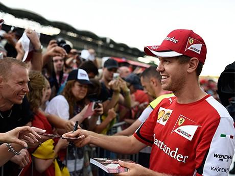 Sebastian Vettel ofereceu sua segunda vitória do ano a Jules Bianchi (foto Ferrari)