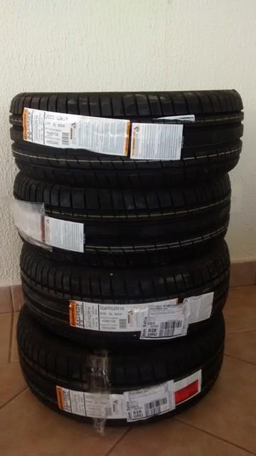 Pilha de pneus  PONTO FORA DA CURVA – POR LUCAS GUIMARÃES – 5/07/15 Pilha de pneus