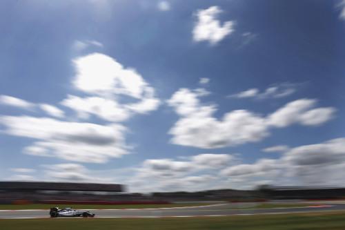 Há tempos Felipe Massa não brilhava tanto (foto Andrew Ferraro/Williams)  DEBAIXO DA GAROA, UM COPO MEIO CHEIO, MEIO VAZIO WFER8520