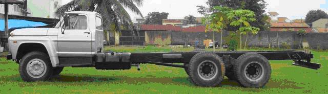 MOTORES A ÁLCOOL EM UTILITÁRIOS, CAMINHÕES E TRATORES Caminhao Chevrolet 2 eixos
