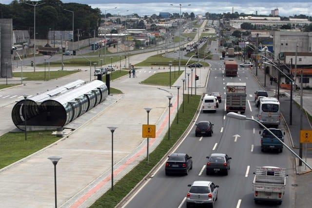 Estação Xaxim na Linha Verde Curitiba, 16/12/2008 Foto: Maurilio Cheli/SMCS