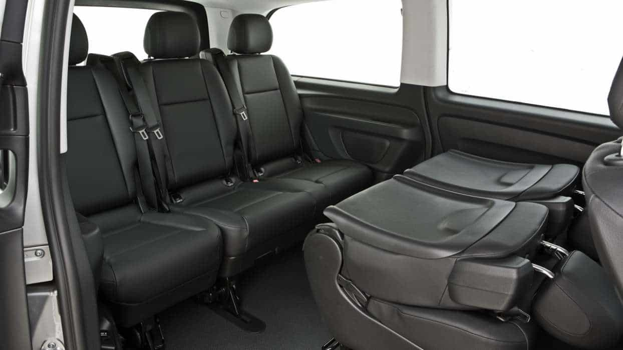 Vito Tourer Luxo, bem confortável e espaçoso para os passageiros também  NOVA VAN MERCEDES-BENZ VITO Vito Tourer 28a