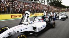 Interlagos, Sao Paulo, Brazil. Sunday 15 November 2015. Felipe Massa, Williams FW37 Mercedes, arrives on the grid. Photo: Glenn Dunbar/Williams ref: Digital Image W89P5713