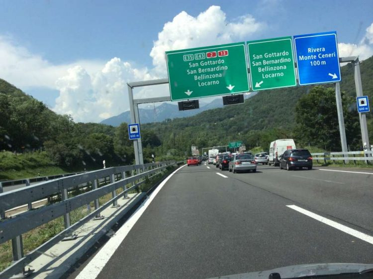 Trânsito paulistano em Monteceneri - Rivera  FIAT PANDA, 2.400 km NA EUROPA 20140612 131854078 iOS