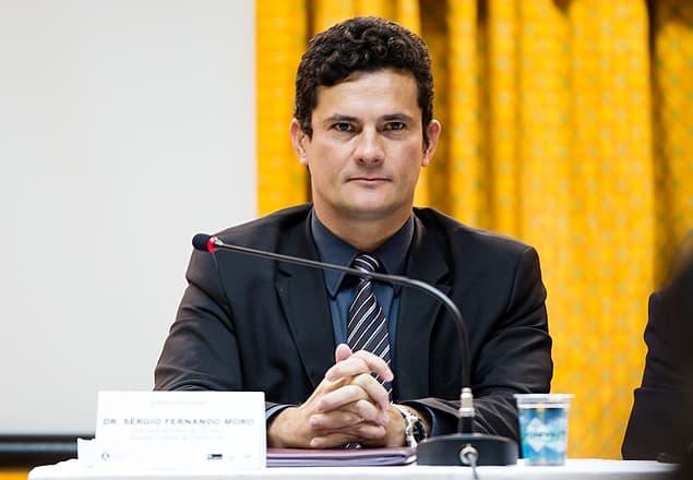 Foto Legenda 06 coluna 0116 - Juiz Sergio Moro-