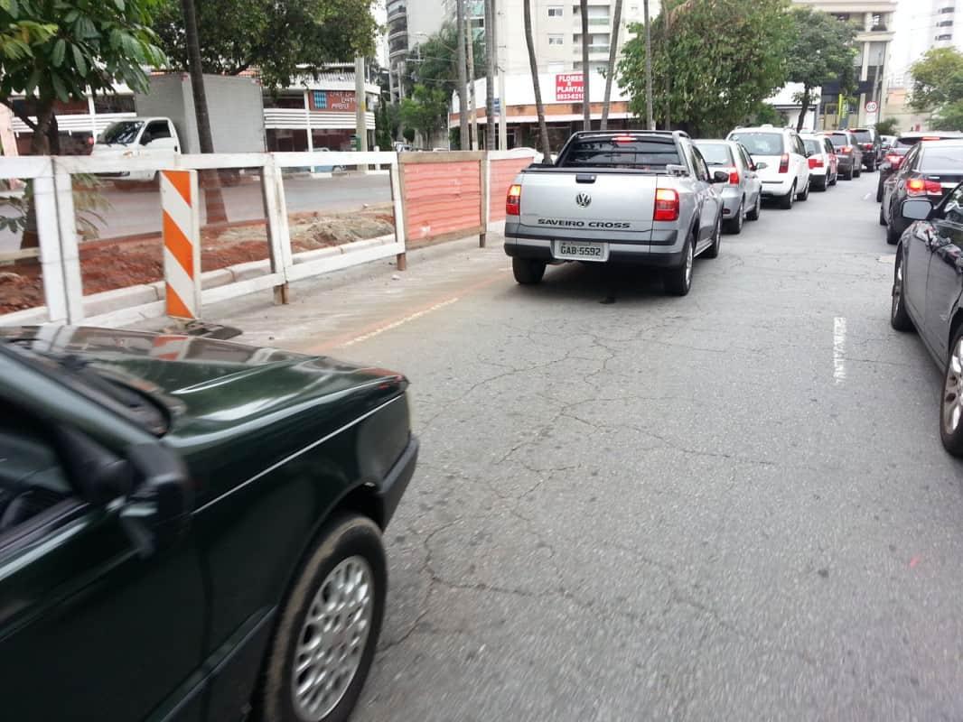 sombra  OS 12 TIPOS DE MOTORISTAS MAIS DETESTÁVEIS sombra